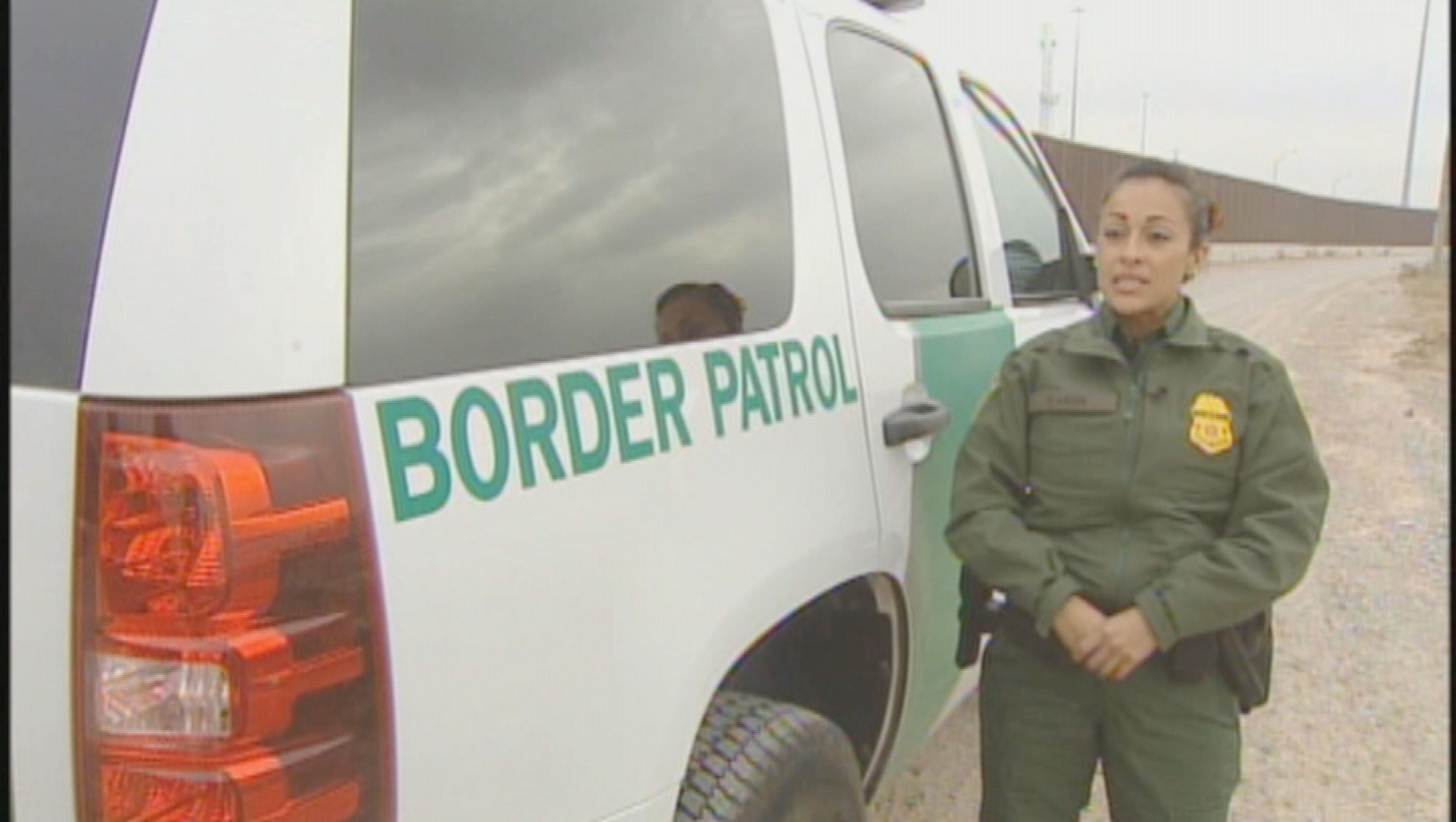 how to become a canadian border patrol agent