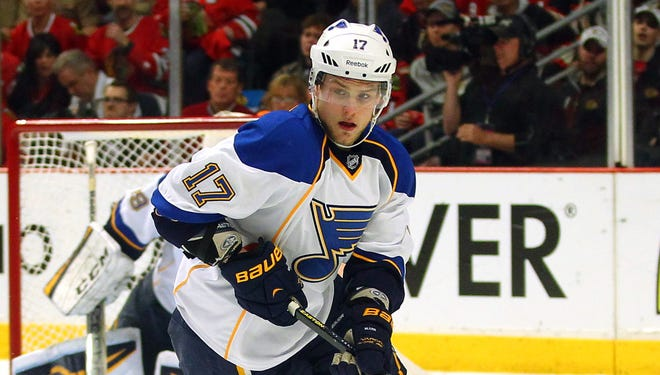 St. Louis Blues center Vladimir Sobotka has signed a three-year deal with Avangard Omsk.