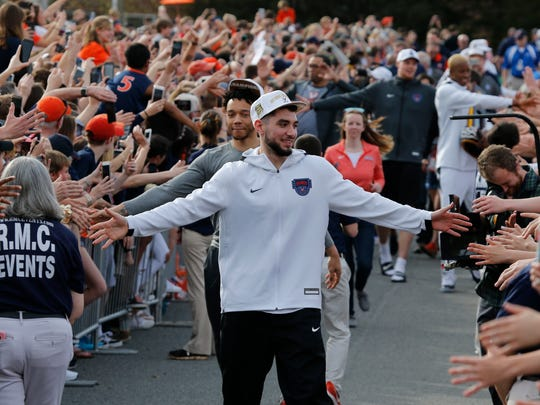 Virginia_Champs_Returns_Basketball_35350.jpg