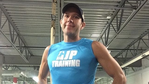 USA TODAY Sports reporter A.J. Perez is attempting to lose 15 pounds by Jan. 25
