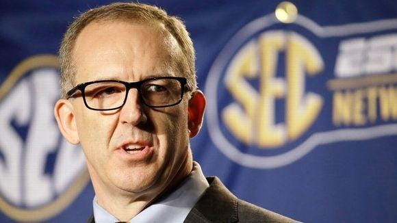 Southeastern Conference commissioner Greg Sankey has hired former Big East commissioner Mike Tranghese as a consultant for men's basketball
