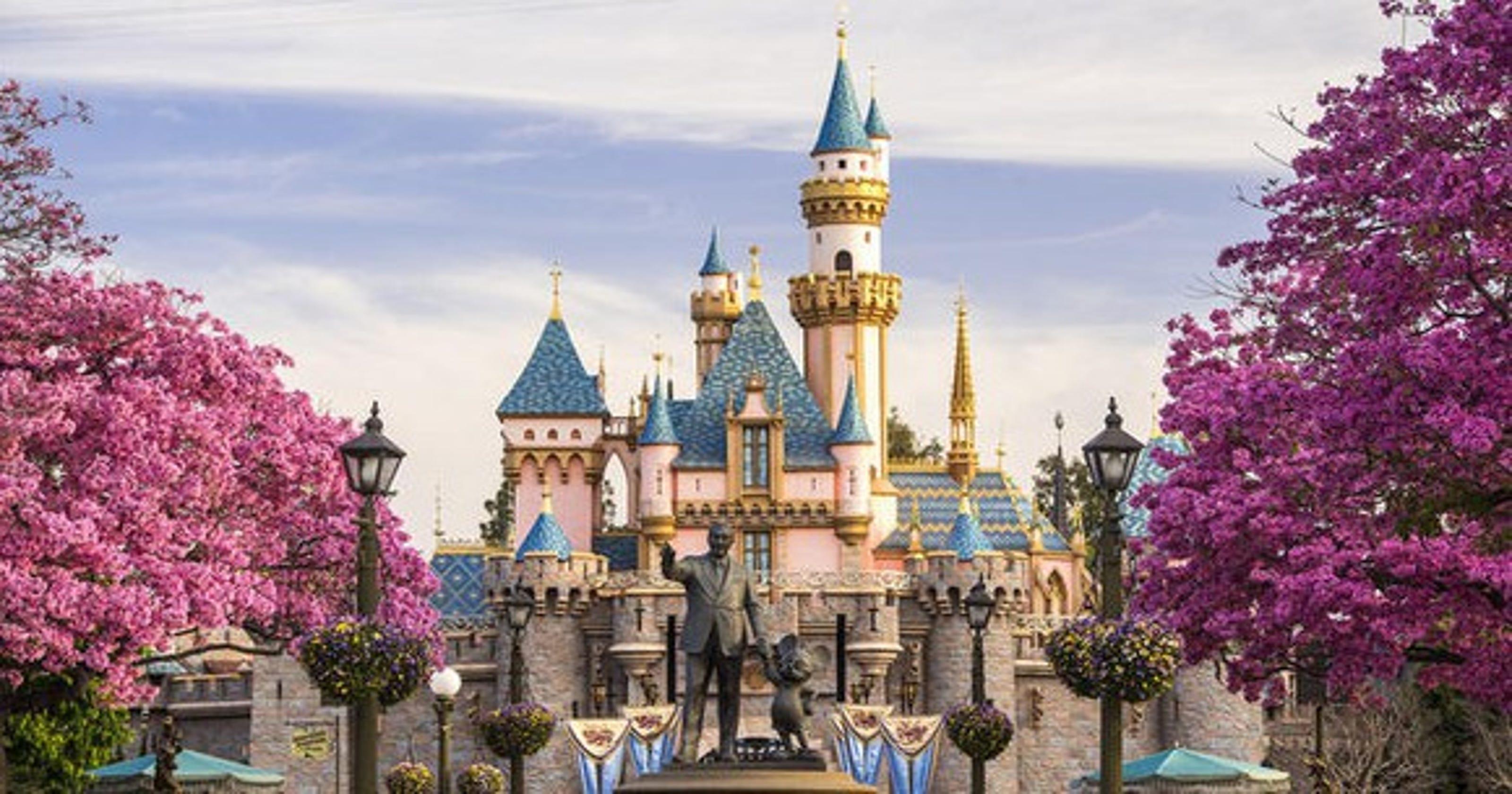 7 tricks to saving money at Disneyland — no magic required