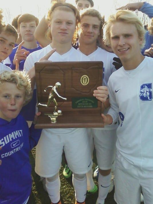635825261865295970-scd-boys-trophy