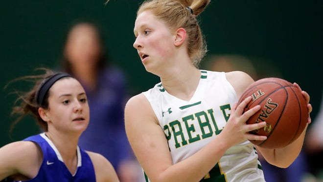 Green Bay Preble's Kendall Renard (4) catches a pass against Green Bay Southwest in a FRCC girls basketball game at Preble High School on Tuesday, December 5, 2017 in Green Bay, Wis. Adam Wesley/USA TODAY NETWORK-Wisconsin