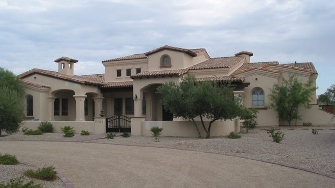Kevin Lytle paid $2.5 million for this 5,875 square-foot home at Hummingbird Vista in Paradise Valley. The sale closed during the week of July 7, 2014.