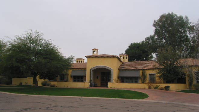 Avenida Ventures, a Delaware LLC, paid $2.75 million in cash for this 7,848 square-foot home at Mockingbird Lane Estates in Paradise Valley. The sale closed during the week of January 12, 2015.