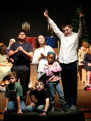 "Cast members from ""The Best Christmas Pageant Ever"""