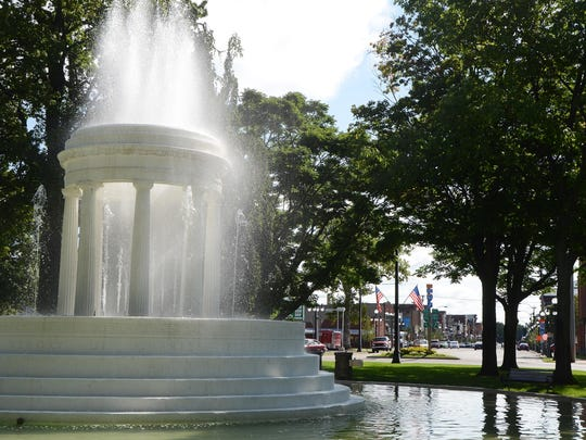 Brooks Fountain, downtown Marshall