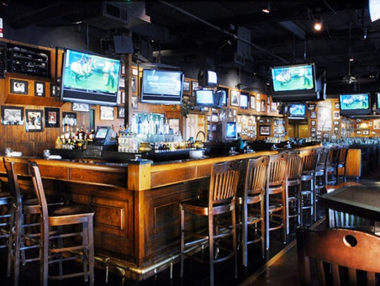 Padre Murphy's has off-track betting and more than 100 TVs.