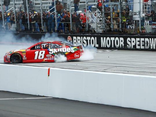 NASCAR_Bristol_Auto_Racing_46095.jpg