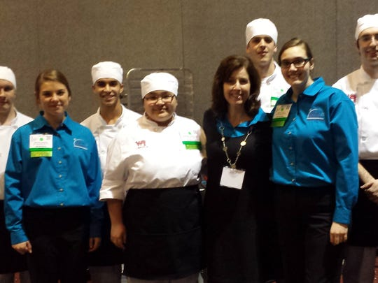 The Lincoln High School culinary and management teams.