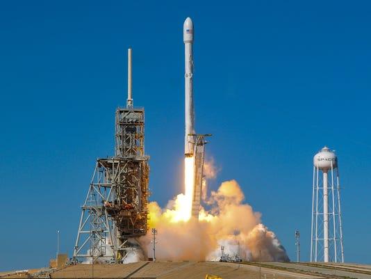 USP NEWS: SPACE X FALCON 9 A USA FL