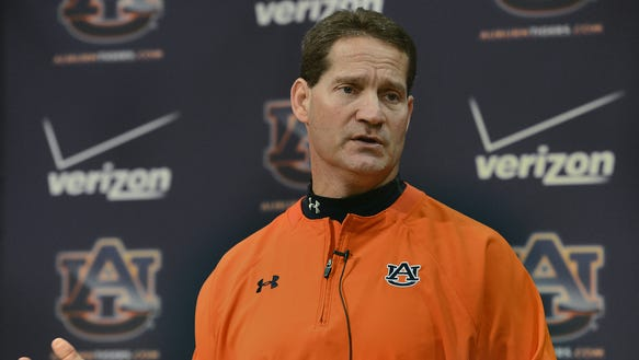 Former Auburn coach Gene Chizik has been hired as defensive