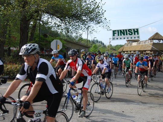 Early entry fee for the Tour de Cashiers Mountain Cycling Experience ends April 28.
