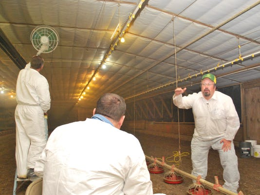 UD Poultry Team conducts Poultry Grower Workshop