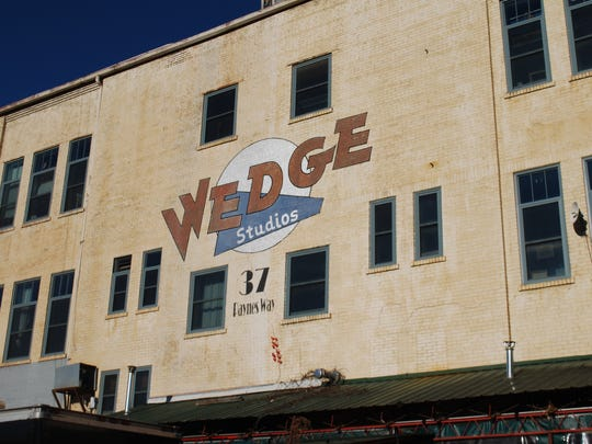 Situated along the railroad tracks in the River Arts District, Wedge Brewing Company is located in the bottom level of Wedge Studios, a haven for artistic types.