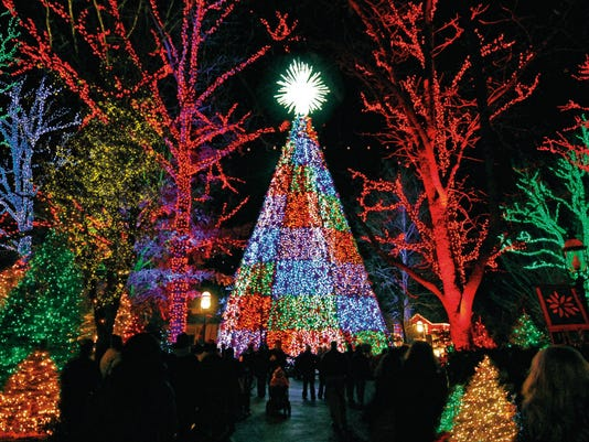 the five story special effects christmas tree on the square has more than 850 ornaments and 350000 energy saving lights photo silver dollar city
