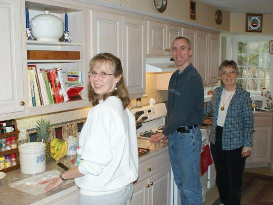 The Kellam family bakes 45 dozen cookies of nine varieties,