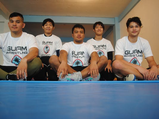 636667880007649573-Wrestling4.JPG