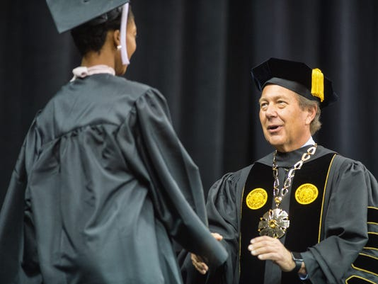 635861349413040236-university-of-iowa-commencement-2015-23483581079-o.jpg