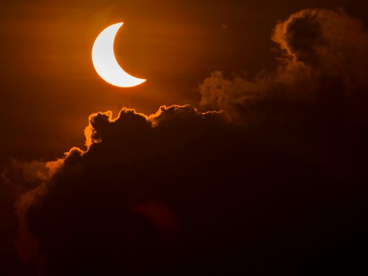 TOPSHOT-INDONESIA-ASTRONOMY-ECLIPSE