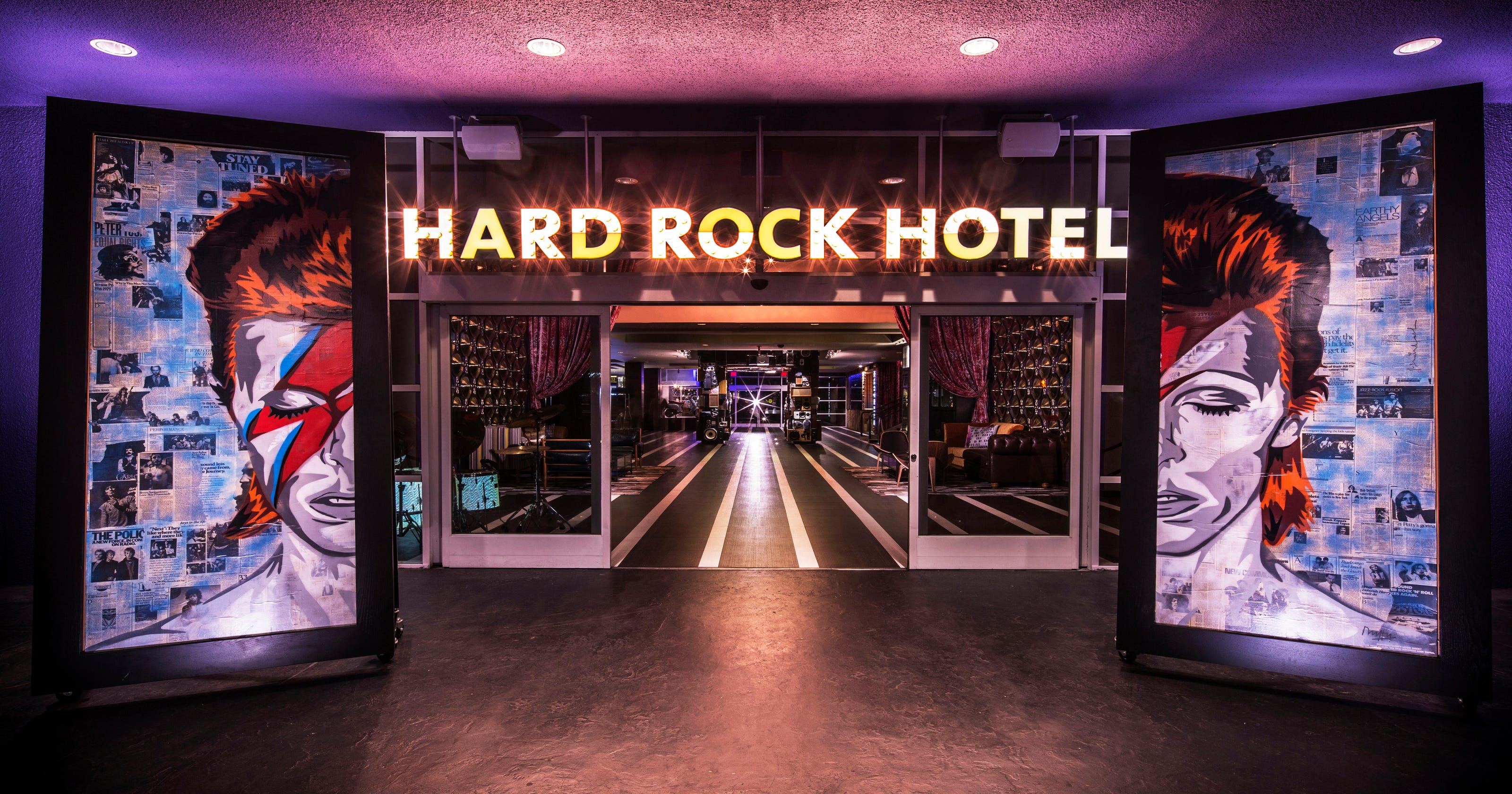 Did foodies drive the hard rock hotel out of palm springs