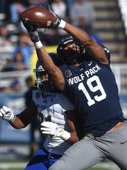 Wyatt Demps hauls in a catch against San Jose State