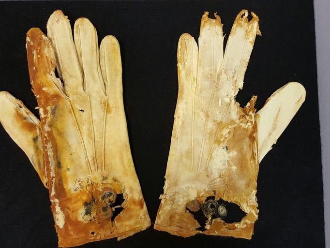 7 Rare Titanic artifacts