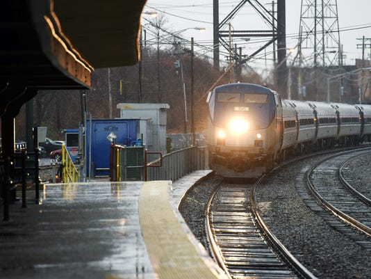 JUMP_db_amtrak_1214_4328.jpg