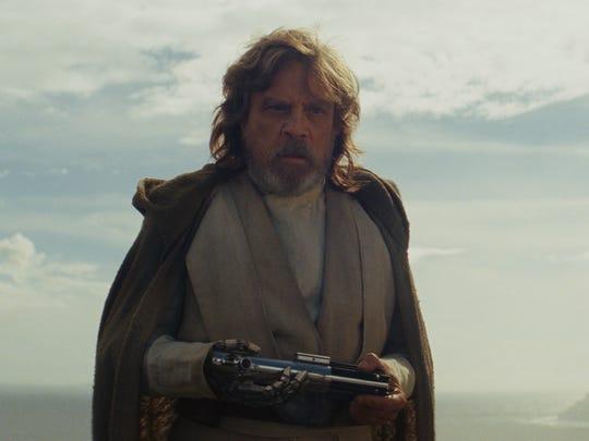 Luke Skywalker (Mark Hamill) is shown as the new jedi mentor to Rey.