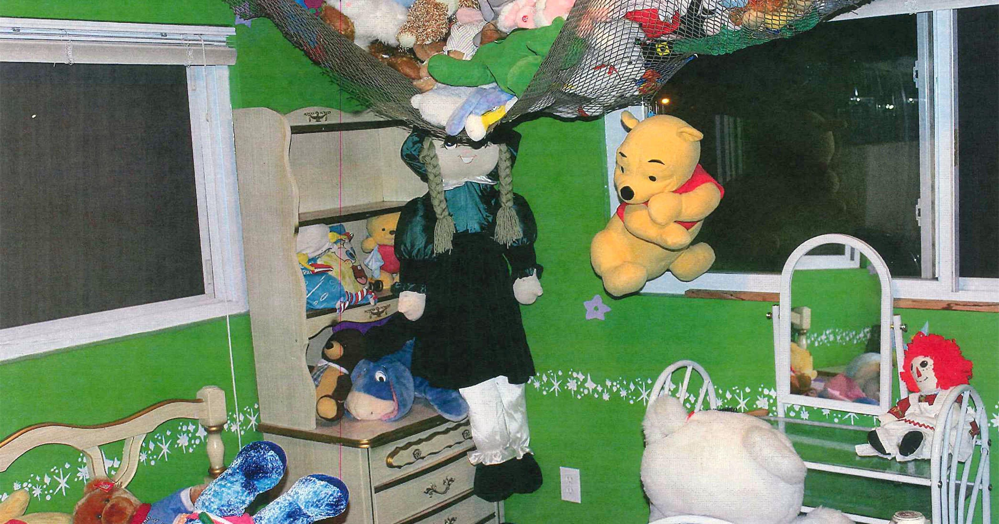 Melvindale Home Slowly Gives Up Child Porn Secrets Wiring A Shoebox House