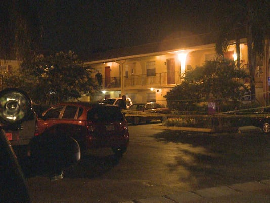 Police investigate a fatal shooting in the courtyard of the tara