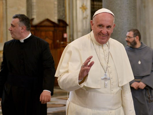 a reflection on pope francis comments on donald trumps plan to build a wall on the mexican border Pope francis said gop frontrunner donald trump is not christian if he pledges  to build a wall between the united states and mexico  was returning from a five -day trip to mexico, including mass at us border  amazing comments from the  pope- considering vatican city is 100% surrounded by.