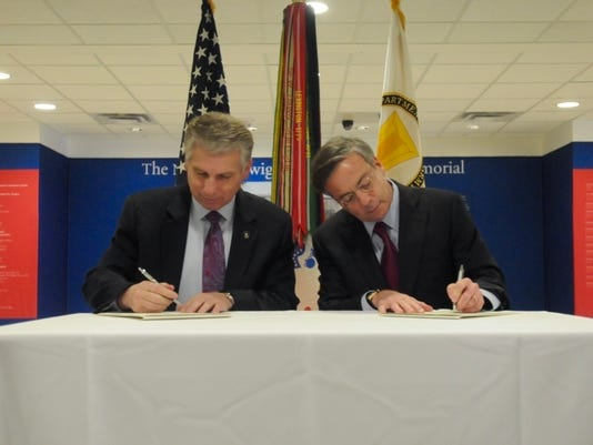 American Corporate Partners and USAR Partnership Signing ceremony