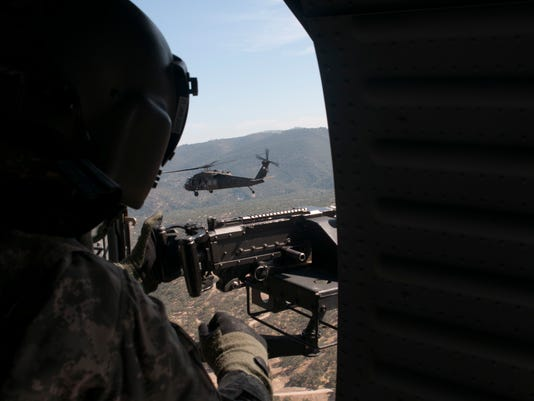 1-140th Aviation conducts air assault with 1-184th Infantry