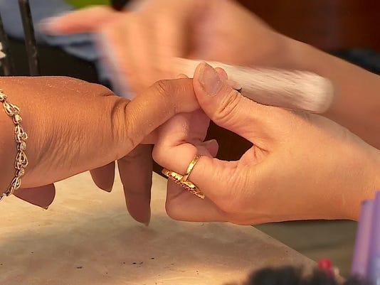 nail salon nail file manicure