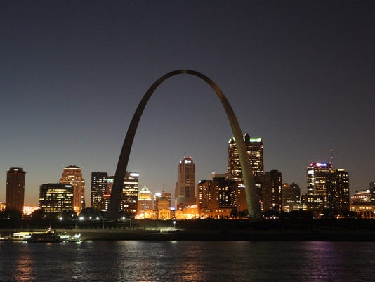 Gateway Arch from East St. Louis, Illinois