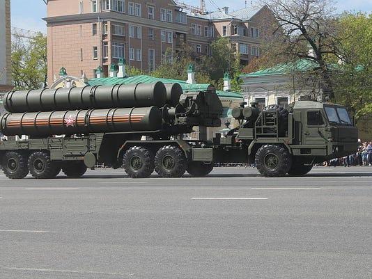الهند تطلب شراء منظومات S-400 للدفاع الجوي من روسيا  635859543740899119-S-400