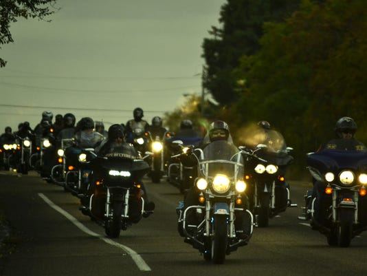 Toys For Tots Bikers : Bikers marines kick off annual toys for tots drive