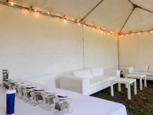 635760922040950004-jessica-hill-photography-weed-bar-wedding