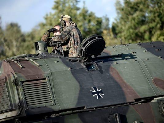 636011647976422425-artillery.jpg