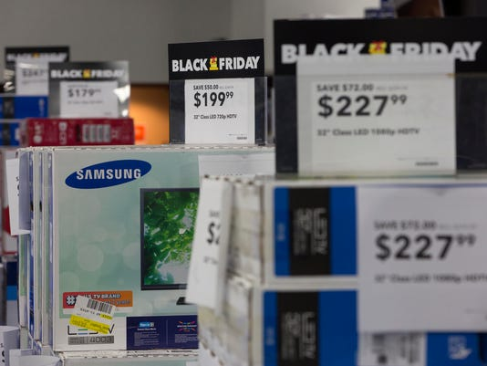 Black Friday Shopping Begins On Thanksgiving Evening