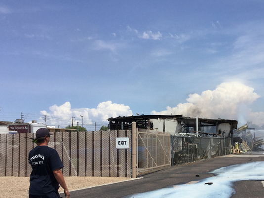 Pool construction warehouse burns in north phoenix for Pool building companies