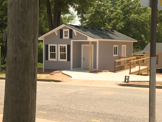 39 tiny homes 39 doing big things for local residents for Local home builders