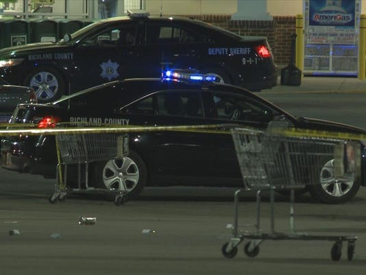 deputies  woman shot in publix parking lot