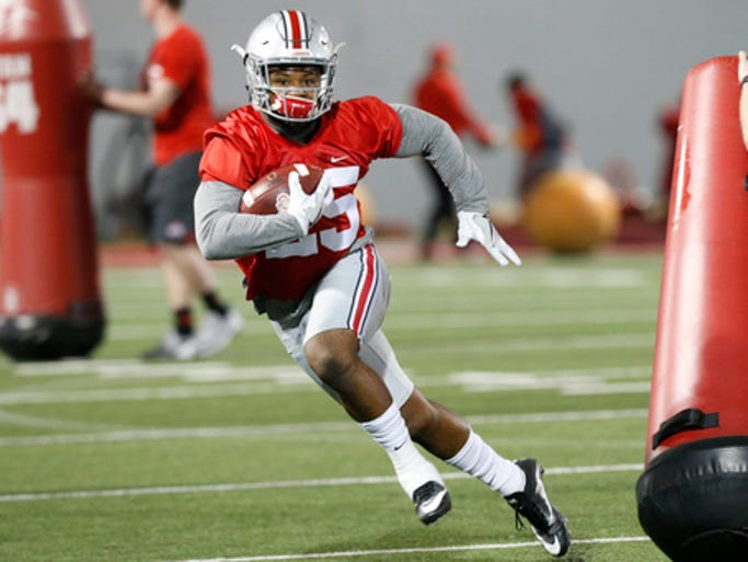 Ohio State running back Mike Weber runs the ball during