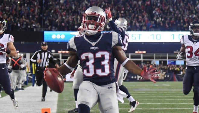 Patriots RB Dion Lewis had a historic playoff performance against the Texans last season.