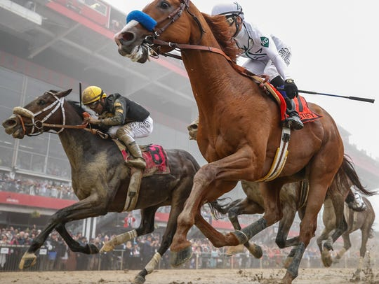 Justify wins the Preakness Stakes to capture the second