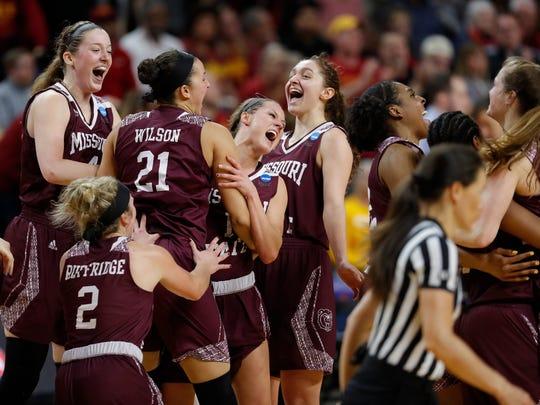APTOPIX_NCAA_Missouri_St_Iowa_St_Basketball_91120.jpg