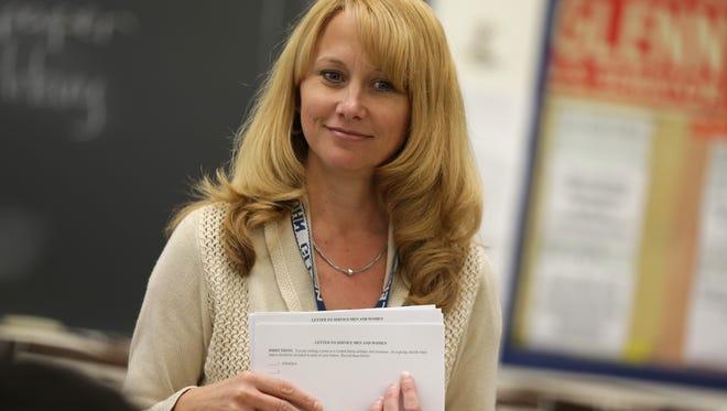 Teacher Michele Anderson talks to her US history class at John Glenn High School in Westland, MI on Monday, May 23, 2016.